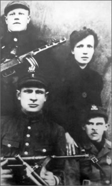 "pril 1945. Partisans from the Sec. Lt. ""Krysia's"" unit and Sgt. ""Laluś"", who participated in the ""march to Poland"", and later fougth in the battle near Kraśniany."
